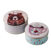 Set of 2 Cake Tins With Bear Print Rice DK